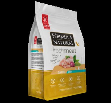 Ração Seca Fórmula Natural Fresh Meat Light Frango, Beterraba e Chá Verde para Gatos Castrados